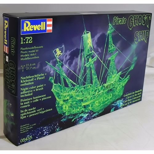 Ghost ship Glow in the Dark
