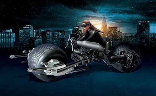 DKR Bat-Pod with Catwoman 1/18