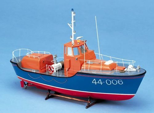 Royal Navy Lifeboat Waveny 1/40
