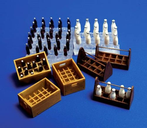 Milk Bottles  and Crates 1/35