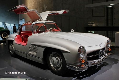 Mercedes Benz 300 SL 1/12